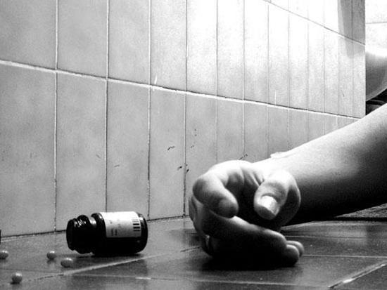 نماینده ایلام در شورای عالی استانها: ایلام رتبه نخست خودکشی در دنیا