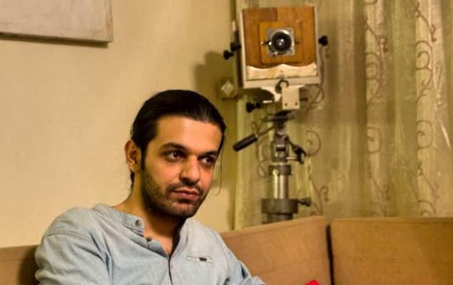 کیوان کریمی، فیلمساز کُرد محبوس در زندان اوین، به مرخصی آمد