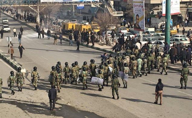 بلاتلکیفی سه بازداشتی تظاهرات سراسری اخیر در زندان ارومیه/ آزادی یک بازداشتی در ایلام