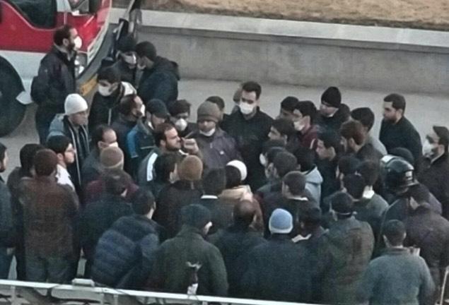 تداوم اعتراضات سراسری / کُردستان به پادگان نظامی تبدیل شده است