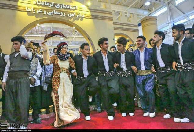 واكنش تند امام جمعه كرمانشاه به رقص سنتي كُردي در نمایشگاه بین المللی تهران